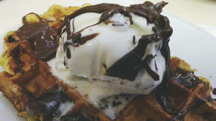 Food And Drink Food Indoors  No People Close-up Dessert Indulgence Freshness Sweet Food Ready-to-eat Day Ice Cream Gofre Waffle Chocolate