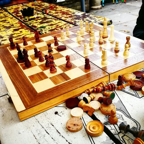 Chess Board Strategy Chess Chess Piece Board Game Pawn - Chess Piece King - Chess Piece Queen - Chess Piece Close-up Friends