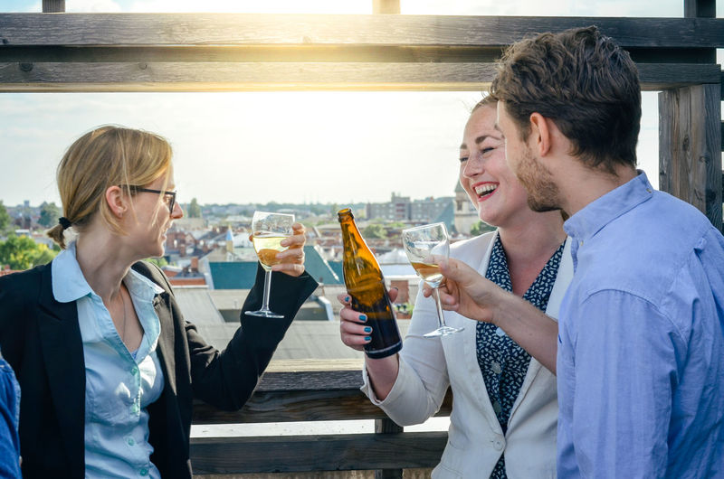 Afterwork Afterwork Beer Rooftop Alcohol Bonding Businessman Businesswoman Drink Drinking Food And Drink Friendship Glass Happiness Joy Lifestyles Refreshment Rooftop Bar Smiling Success Togetherness Young Adult Young Men Young Women