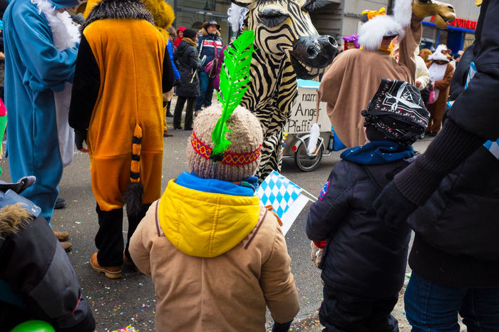 Little Indian hunting for sweets Fasching Faschingsumzug