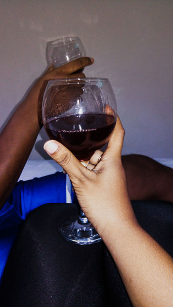 Wine Not Human Body Part Human Hand Drink Adult People Adults Only Close-up Indoors  Love EyeEm Selects Two People Two Is Better Than One TwoIsBetterThanOne Wine Wineglass Wine Moments Wine Time Asus Camera Asuszenfone3 Asus Zenfone Photography Asusphotography Asuscamera