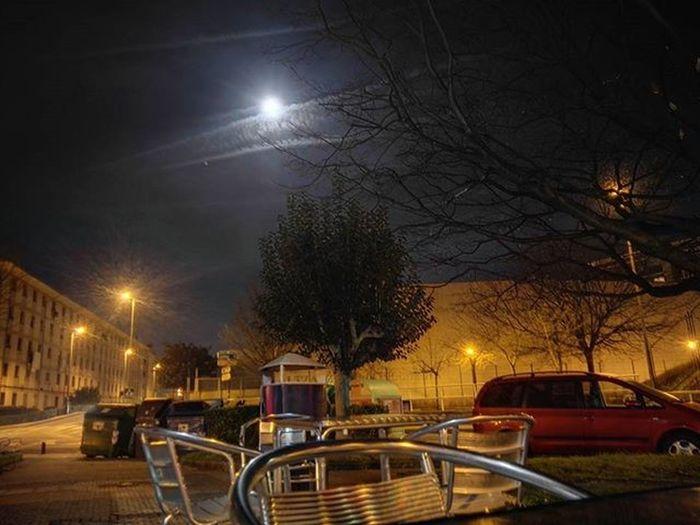 Not full moon yet? Preciosa luna 🌛🌜Luna Ilargia Moonlight Moon Altza Donostia Sansebastian Euskalherria Euskadi Paisvasco Paysbasque BasqueCountry