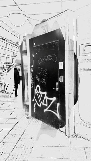 Bnw_friday_eyeemchallenge Bnw_doors Architecture Blackandwhite