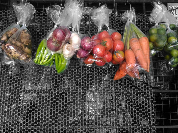 Life is colorful. Healthy Eating Freshness Vegetable Food Fruit Artislife Art Colorful Art Is Everywhere PANTAmagazine Lifestyles Photography EyeEmNewHere Beauty In Nature Art Is Everywhere