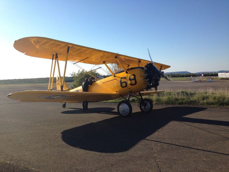 Clear Sky Outdoors Airplane Air Vehicle Mode Of Transport Sky Day Outdoor Photography Plane Yellow Yellow Plane Old Plane Sunny Sunlight Aeroplane Aeronautics Fly