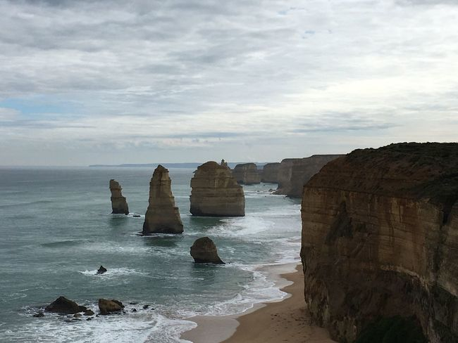 Twelveapostles Sea Water Scenics Tranquil Scene Tranquility Rock - Object Beauty In Nature Rock Formation Horizon Over Water Cliff Non-urban Scene Majestic Idyllic Nature Sky Geology Travel Destinations Coastline Tourism Vacations