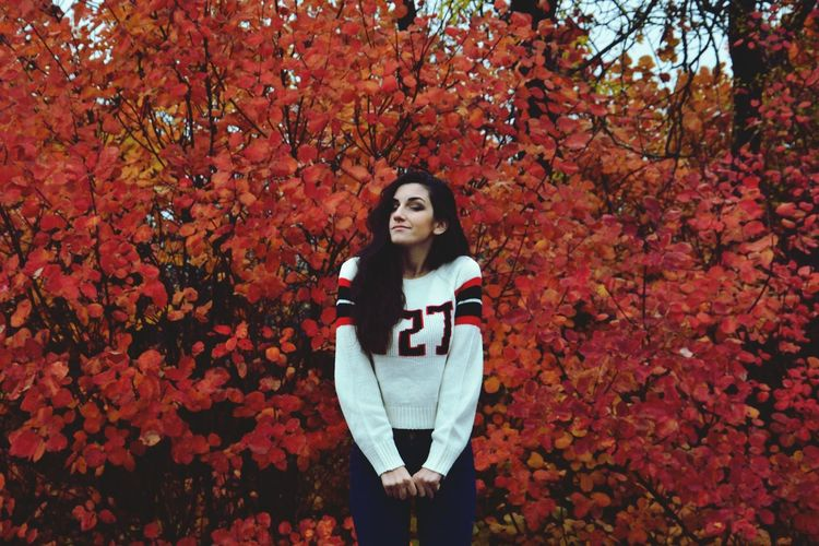 Autumn Leaf Tree Red Nature Only Women One Person Change Adult Outdoors Front View People One Woman Only Smiling Day One Young Woman Only Beauty In Nature Adults Only Young Women Portrait