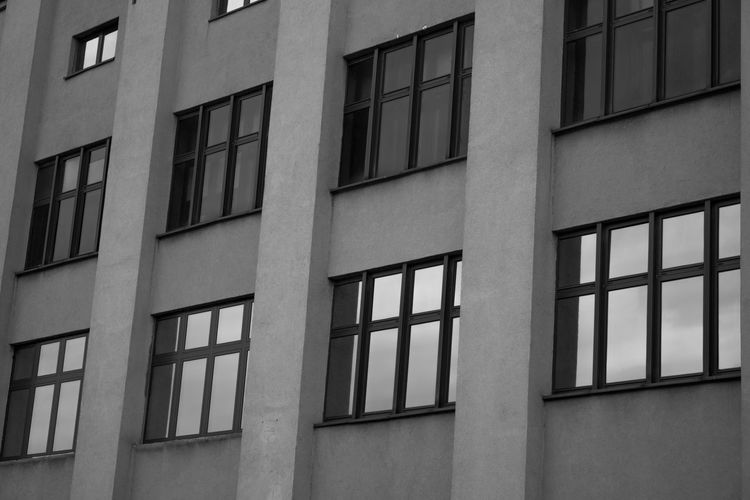 Cell Block H Minimalist Minimalist Architecture Architecture Backgrounds Black And White Building Exterior Built Structure City Day Full Frame Minimalism No People Outdoors Urban Urbanphotography Window Black And White Friday The Graphic City The Architect - 2018 EyeEm Awards The Street Photographer - 2018 EyeEm Awards #urbanana: The Urban Playground The Art Of Street Photography