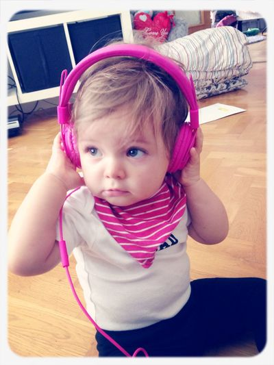 Play that funky music.. ???? Hi! Love Music