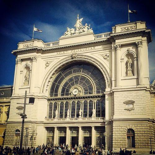 Keletipalyaudvar Budapest Hungary Hungarian railwaystation railway instadaily igdaily instatagapp instahuning photooftheday picoftheday zoomthelife mik mik_boritokep sajatkep ikozosseg thisisbudapest