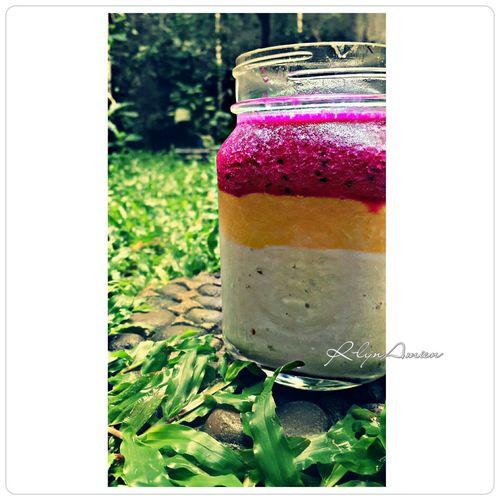 Make It Yourself Everyday Joy Fruitsforbreakfast Foodcombining Smoothies Foodphotography Photography Masonjar Healthy Healthyfood #foodporn
