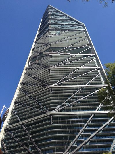 Sí me gustaría trabajar en este edificio.