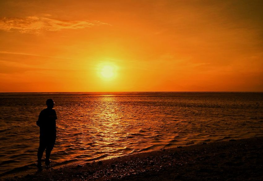 Sea Sunset Horizon Over Water Silhouette One Person Beach Enjoying The Sun Landscape Photography The Week On EyeEm First Eyeem Photo Eye4photography  Beauty In Nature EyeEm Best Shots EyeEm Gallery EyeEm Selects Travel Destination Be. Ready. EyeEmNewHere