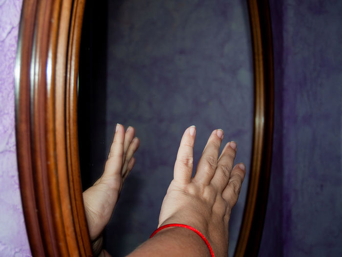 Creativity Mirror Reflection Wood Abstract Adult Architecture Body Part Close-up Creative Day Directly Above Emotion Finger Fingernail Fingers Focus On Foreground Frame Framework Gesture Gesturing Getting Inspired Hand Human Body Part Human Foot Human Hand Indoors  Inspiration Lifestyles Mirror Reflection People Personal Perspective Real People Reflecting Reflections Still Life Studio Shot Touching Two People Wood Frame