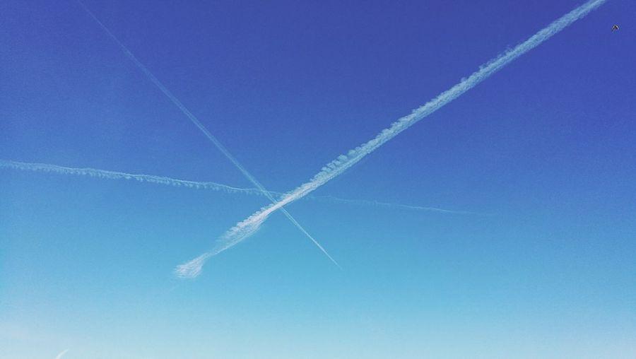 sky lines Vapor