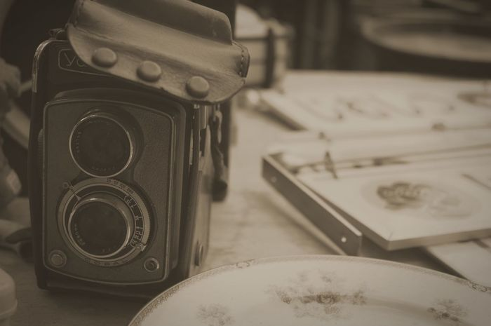 Always …… Oldmarket Antiques Used Vintage Old Always Retro Styled Old-fashioned Table Technology Close-up EyeEmNewHere Camera - Photographic Equipment