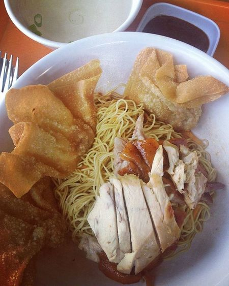 Another Delicious noodles in Jakarta... 20K for 1 bowl complete with clear soup... Musttry  Noodle LoveFood
