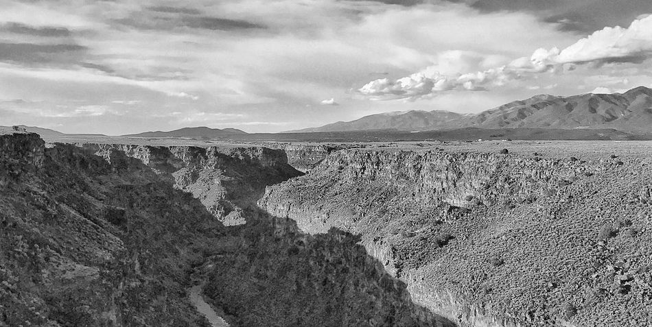 Rio Grande Gorge - Taos, New Mexico USA Taos New Mexico Río Grande River Desert Landscapes Landscape Nature Photography Black And White Photography Rio Grande Gorge Outdoors Sky Tranquil Scene No People Day Physical Geography Cloud - Sky