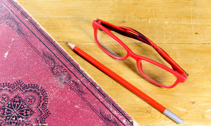Close-up Day Eyesglasses Hardwood Floor High Angle View Indoors  No People Pencil Red Table Wood - Material