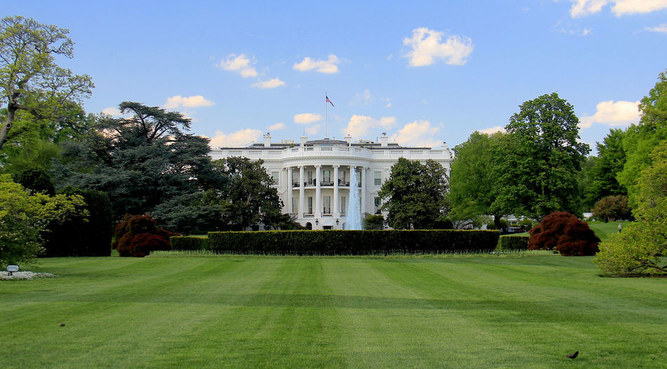 Nice lawn! The White House Tadaa Community