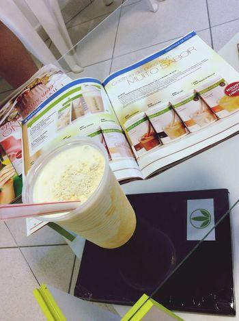 Então o jantar de hoje!!! Nada melhor que o Shake delicioso da herbalife!!! Maracujá! Herbalife Herbalife Results Jantar Popular Photos