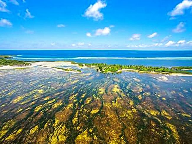 Flying the drone over Addu city. It's a sunny day in M.A.L.D.I.V.E.S Connected With Nature Dronephotography God's Beauty ♡