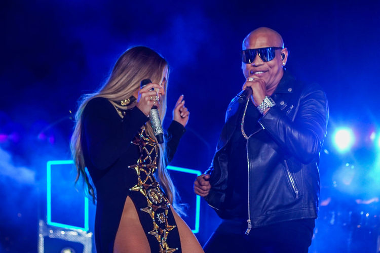 Jennifer Lopez pre-taping a performance with Gente De Zona for the 2017 Macy's Fourth of July Fireworks held in Long Island City, NY. Artist Arts Culture And Entertainment Celebrity Concert Costume Dance Dancing Gente De Zona Microphone Music Musical Instrument Musician Night Performance Performance Group Singer  Singer  Singing Stage Two People