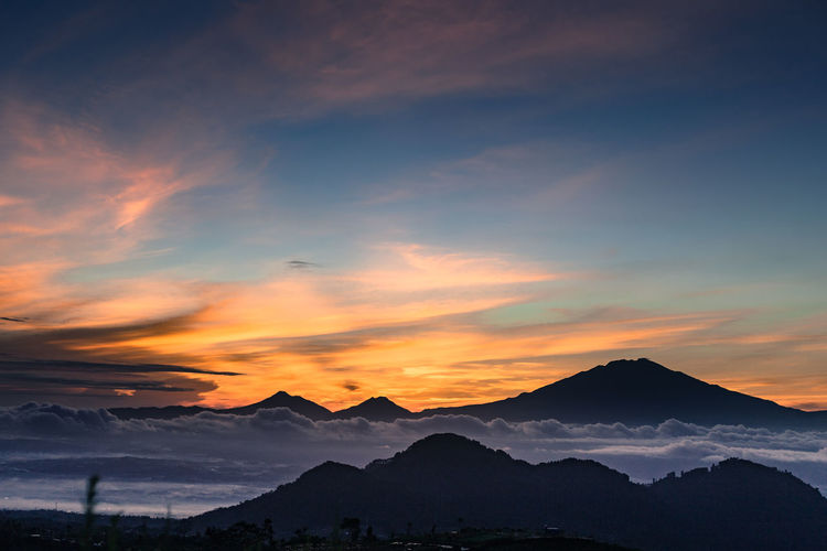 SIlancur Highland sunrise view. Landscape Mountain Mountain Range Sky Sunrise Beauty In Nature Nature Environment No People Outdoors Tranquil Scene Mountain Peak