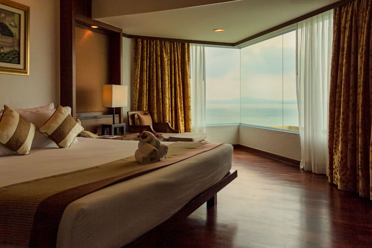 Room with sea