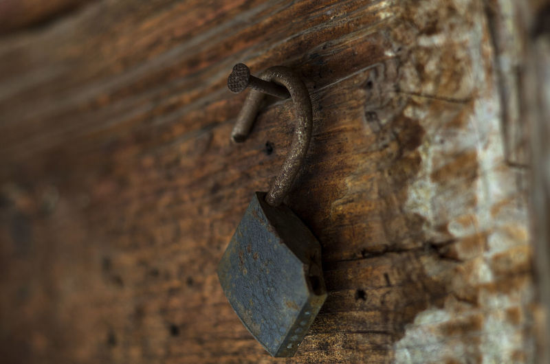 Bro Close-up Day Focus On Foreground Lock Metal Nail No People Old Rusty Selective Focus Textured  Wall - Building Feature Wood Wood - Material Wooden
