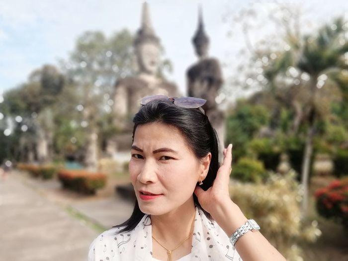2018.12.8 JiraOn🌏 EyeEm Selects City Beautiful Woman Portrait Young Women Beauty Headshot Women Sky Close-up Thoughtful Thinking Visiting Posing Boho Wearing