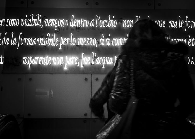 Metro Napoli Illuminated Messages Napoliphotoproject Text