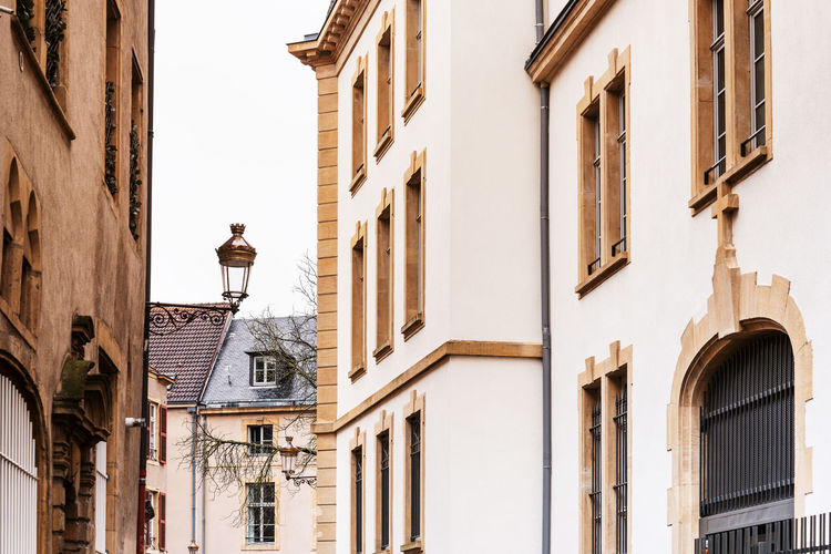 Travel Architecture Building Building Exterior Built Structure City Classical Style Day Electric Lamp Focus On Foreground History Landmark Lighting Equipment Low Angle View Nature No People Old Outdoors Residential District Street Street Light The Past Travel Destinations Window