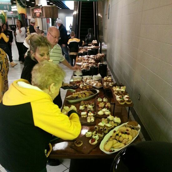 Yo, the #Bruins are even feeding us! Sweet! Bruins