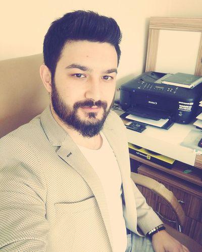 Hi! That's Me Selfie ✌ Istanbul Turkey Job Oficce Işler GüçleR GoodMorning⛅ Pazar Pazar Iş Mi Olur 😖😖 Uykulugözler