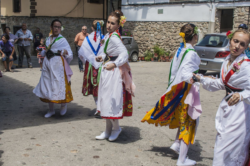 Adult Adults Only Arts Culture And Entertainment Cultures Dance Of The Italians Day Estremadura Extremadura Full Length Garganta La Olla Men Outdoors People Real People SPAIN Spaın Street Tradition Traditional Clothing