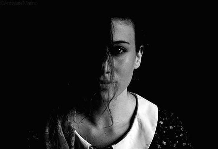 Woman Beauty Light Darkness Blackandwhite Portrait Photo Photography Nikon Soul Art Poem Istagram