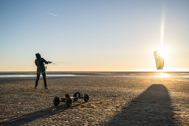 Nordsee Nordseeküste Nordsee Strand Wattenmeer Sankt Peter-Ording Water Horizon Over Water Sand Beach Sunset Light And Shadow Nordsea Clear Sky Sport Kite ATB Landboard Flying Harmony With Nature Relaxing Moments Powerful Nature Kiteboarding Kite Flying In The Sun Wintersunset Wintertime Sky Sunlight Full Length Sea Real People Men Nature Beach Sun Standing Leisure Activity Lens Flare Land Beauty In Nature Lifestyles Shadow My Best Photo