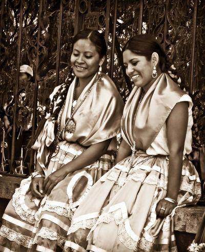 Oaxaca Folclore Danza Folclorica Mujeres Human Figure Mexico Traveling B&w Photography B&w Woman Who Inspire You