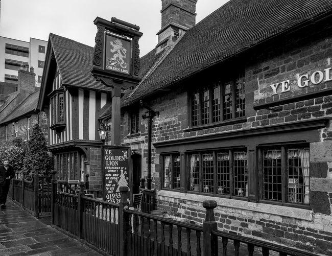 Ye Golden Lion, Sheep Street, Wellingborough, Northamptonshire Architecture Architecture Monochrome Photography Northamptonshire Monochrome Town FUJIFILM X-T2 Urban Black And White Wellingborough Street Pubs Northampton Pubs
