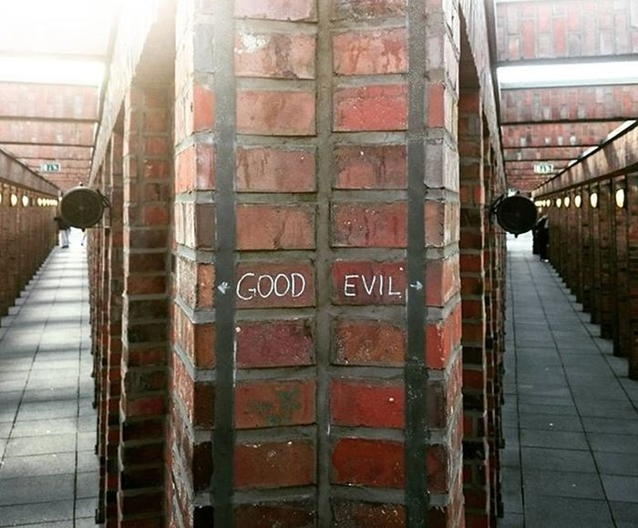 Good Evil Mirror Chose Decisions Berlin Architecture