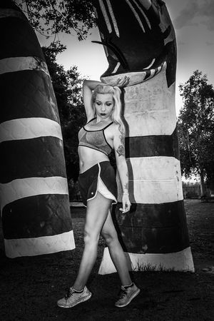One Person Fashion Outdoors Sports Clothing Sports Training Fitness Model Black And White Young Women California Beautiful Woman Escondido Tiina Kit Carson Park Female Model Escondido, Ca Only Women Blackandwhite Photography Snake Fitness Women Strength Exercising Uniqueness TCPM Art Is Everywhere