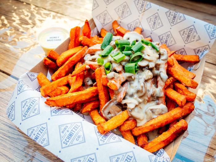 Sweet potato fries with mushroom cream sauce Food Foodporn French Fries Fries Indulgence Sinful Snack Sweet Potatoes
