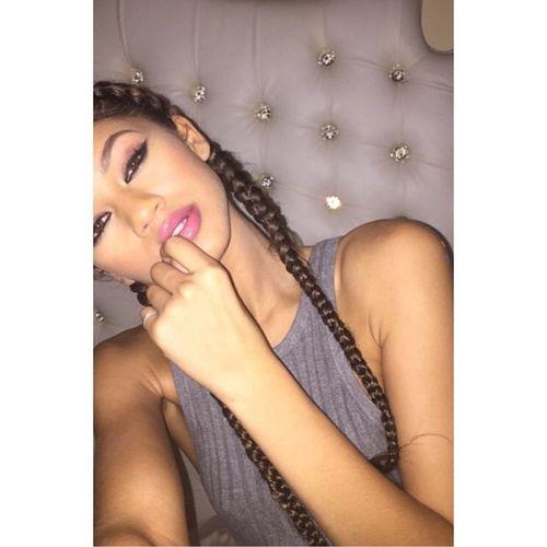 Zendaya Coleman Selfie Gorgeous Aesthetics