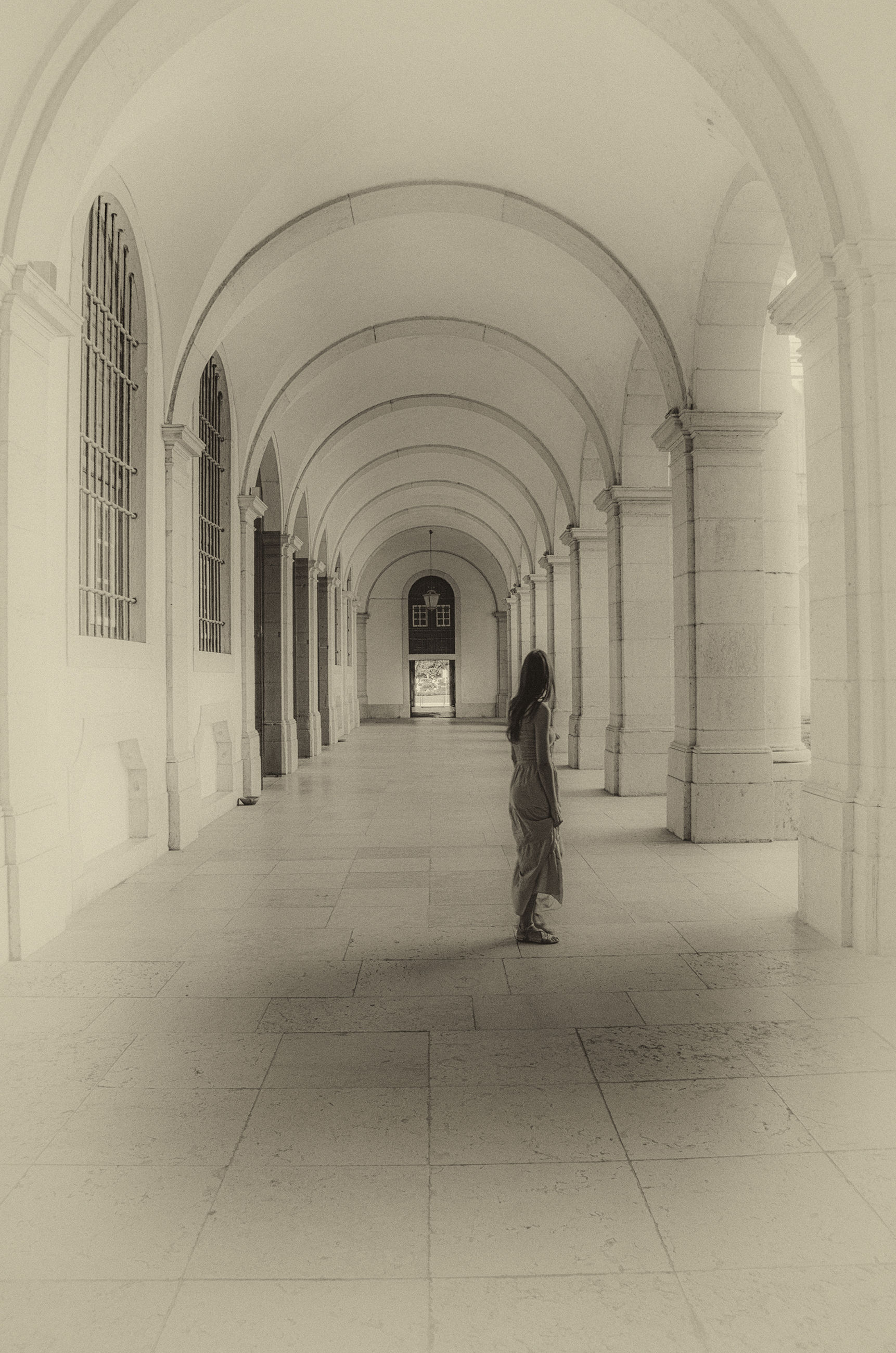 arch, indoors, one person, architecture, real people, full length, corridor, built structure, day, people
