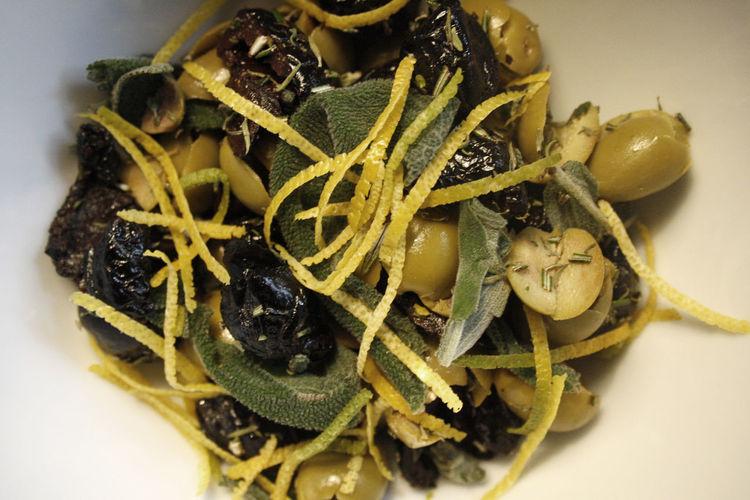 Black Olives Food Green Olives Lemon Cest Sage Salbei Thyme Thymian Zeste Zitronenschale Zitronenzeste