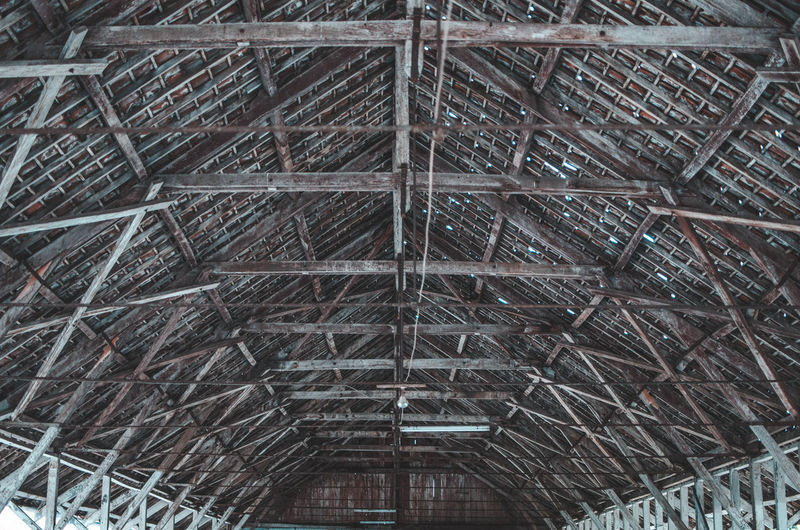 Wood and Frame Architecture Built Structure Pattern No People Low Angle View Full Frame Day Backgrounds Roof Metal Ceiling Indoors  Industry Building Architectural Feature Design Construction Industry Repetition Roof Beam Steel