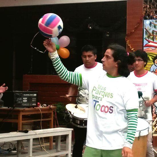 malabares con un balón Ball Cirque