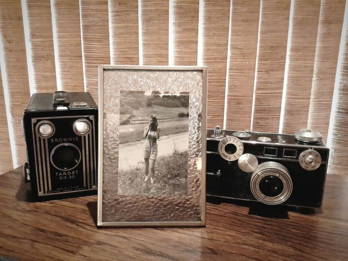 The camera on the right is the camera in the photograph, late 1940's. Super Retro Vintage Camera Retrostyle Old Cameras Taking Photographs Family History My Mother Old Photo Old Photos With History Lieblingsteil Camera - Photographic Equipment Cameras Of The Past
