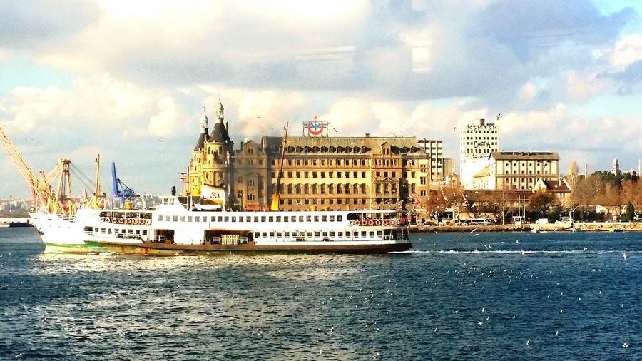 Istanbuldayasam Istanbul - Bosphorus Istanbul Turkey Istanbulove Haydarpaşa Garı Haydarpasa şehirhatlarıvapuru
